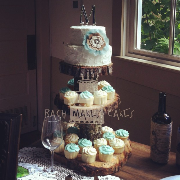 Pin It Filed Under Wedding Cakes Tagged With Burlap